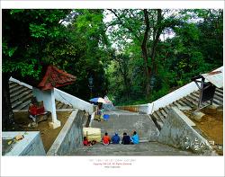 인도네시아 왕의 무덤이 있는 마깜 라자 이모기리(Makam Raja Imogiri)