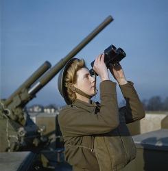 보기 드문 2차 세계 대전 컬러 사진들