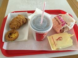 KFC 커넬박스밀 5800원 그냥그냥 한끼 먹기에 적당한것 같았어요.