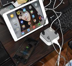 내책상위에 USB 전원 벨킨 4포트 USB 가정용 충전기
