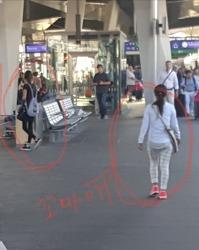 비엔나 중앙역 소매치기 여자애들 3 인조