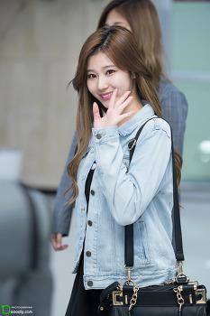 [2017.04.22] 김포공항 입국 트와이스 사나, 미나