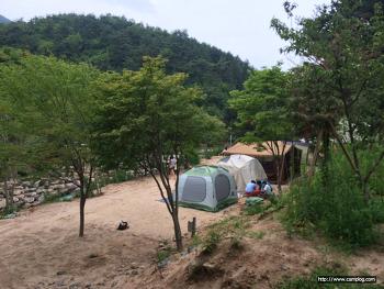 수영장 과 계곡 이 있는 오토캠핑장 하지만, 한참 공사중인 금산 드림빌 오토캠핑장