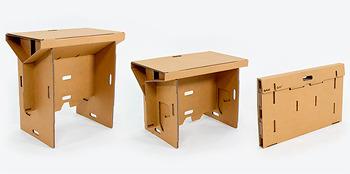 종이 소재로 제작되어 이동과 수납이 편리한 아이디어 책상