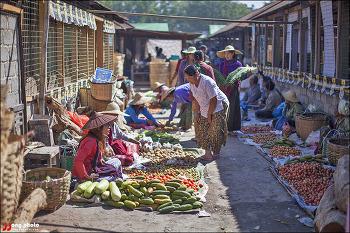 [미얀마 낭쉐] 인레호수에서 가장 큰 오일장 남판시장 / Nam Pan Market, Inle Lake, Myanmar