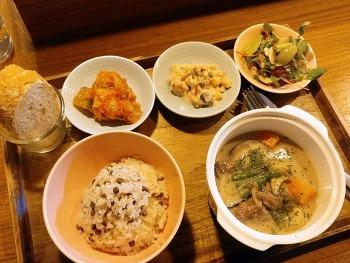 한국식 밥상의 정갈함, 프랑스식 스튜의 포근함... 서교동 프랑스 가정식 '루블랑'