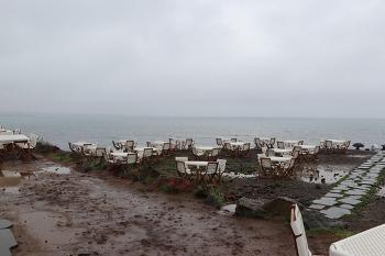 [제주도 여행] 기대보다 별로인 애월 GD카페와 비오는 곽지과물해변