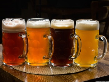 Download Beer Pints HD Wallpaper