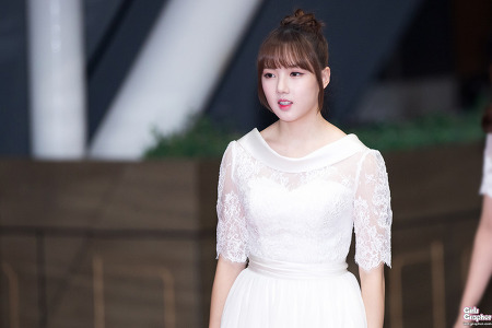 [PHOTO] 161229 KBS 가요대축제 레드카펫 - 여자친구 by Girls Grapher