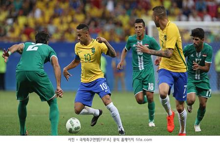 '개최국' 브라질, 2경기 연속 무승부...일본은 탈락 위기