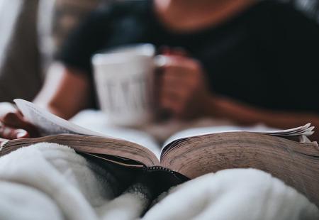 [정신과 갈 돈으로 책을 샀다] 당신의 불안함에 위로를 건네는 다섯 권의 책