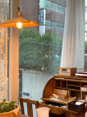 200702 _ 잡화점 '에프북언더 FBOOKUNDER' @서교동 (아이폰XS 사진)