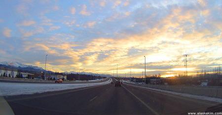 """알래스카 """" 하늘이 아름다운 날 """""""