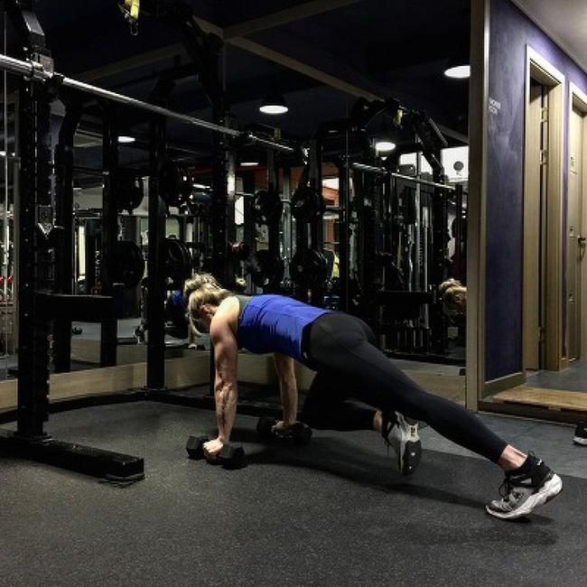 코어(Core)강화와 동시에 늘어진 뱃살빼는 2가지 운동법