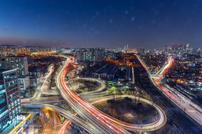[나이트뷰 - 서울야경, 구로야경, 가산디지털단지야경] 국민포인트라는 곳에 올라 구로IC 야경을 담아보았습니다.