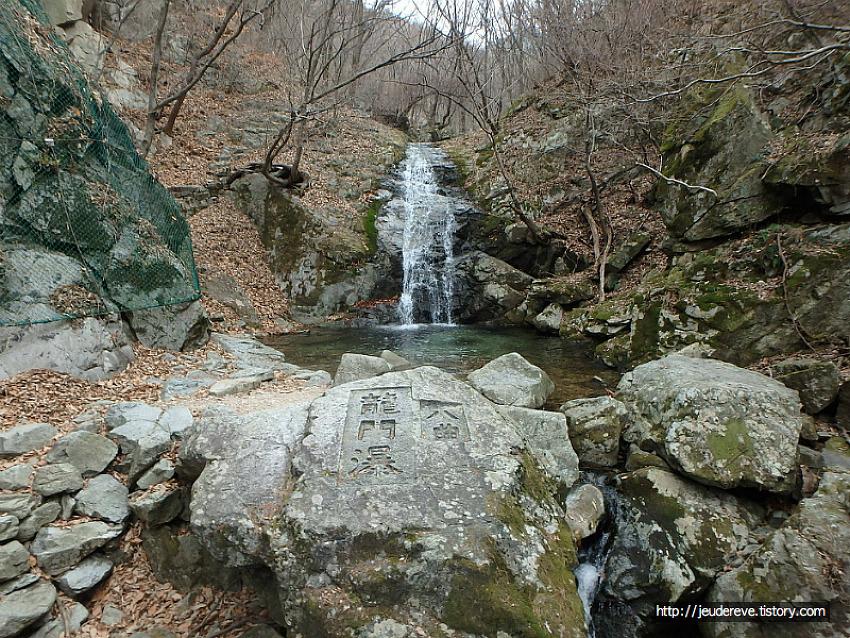 계룡산2(2018.4.1.), 용문폭포를 지나 금잔디고개까지