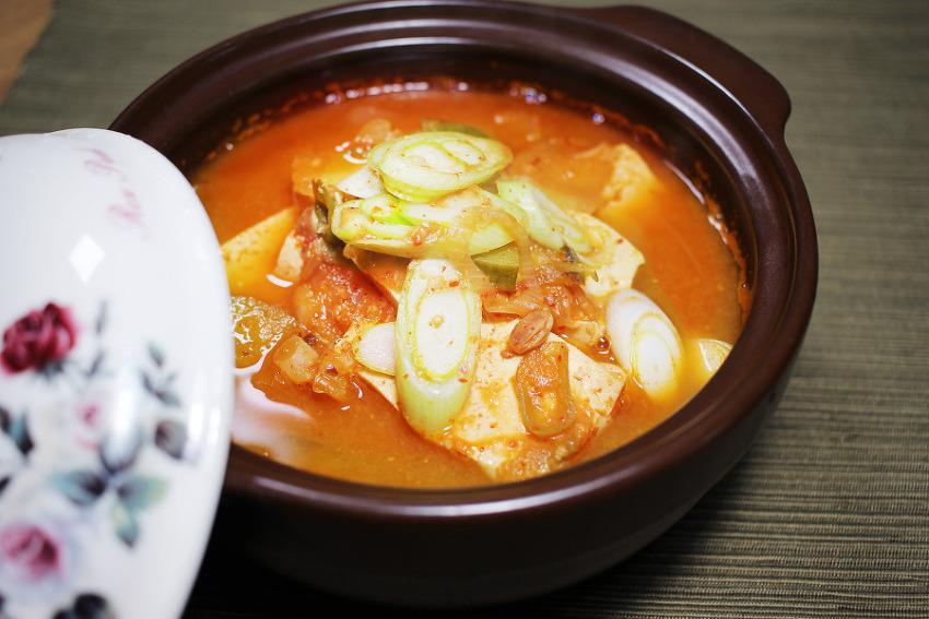칼칼한 김치 청국장찌개