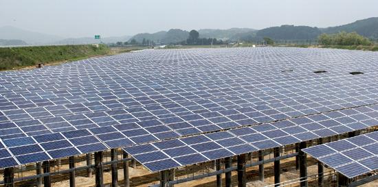 한화,한화데이즈,태양광,한화솔라에너지,한화솔라,한화솔라원,장마,홍수,태양광발전,태양광발전소,배수펌프장,유휴지,광주,산수배수펌프장,전력,탄소절감,이산화탄소,나무,면적,경제 효과,태양광 모듈,창원 테크엠,Solar Tunnel,가능성,수직계열화