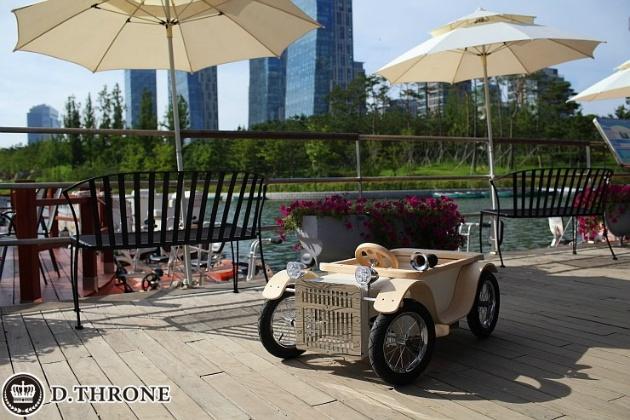 디트로네, 어린이 전동차, 친환경 어린이 자동차, 하나뿐인 왕좌의 권위, D.THRONE, 유럽식 프리미엄 클래식 전동차, 수제 전동차, 편백나무