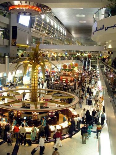 눈부시게 성장한 두바이 국제공항