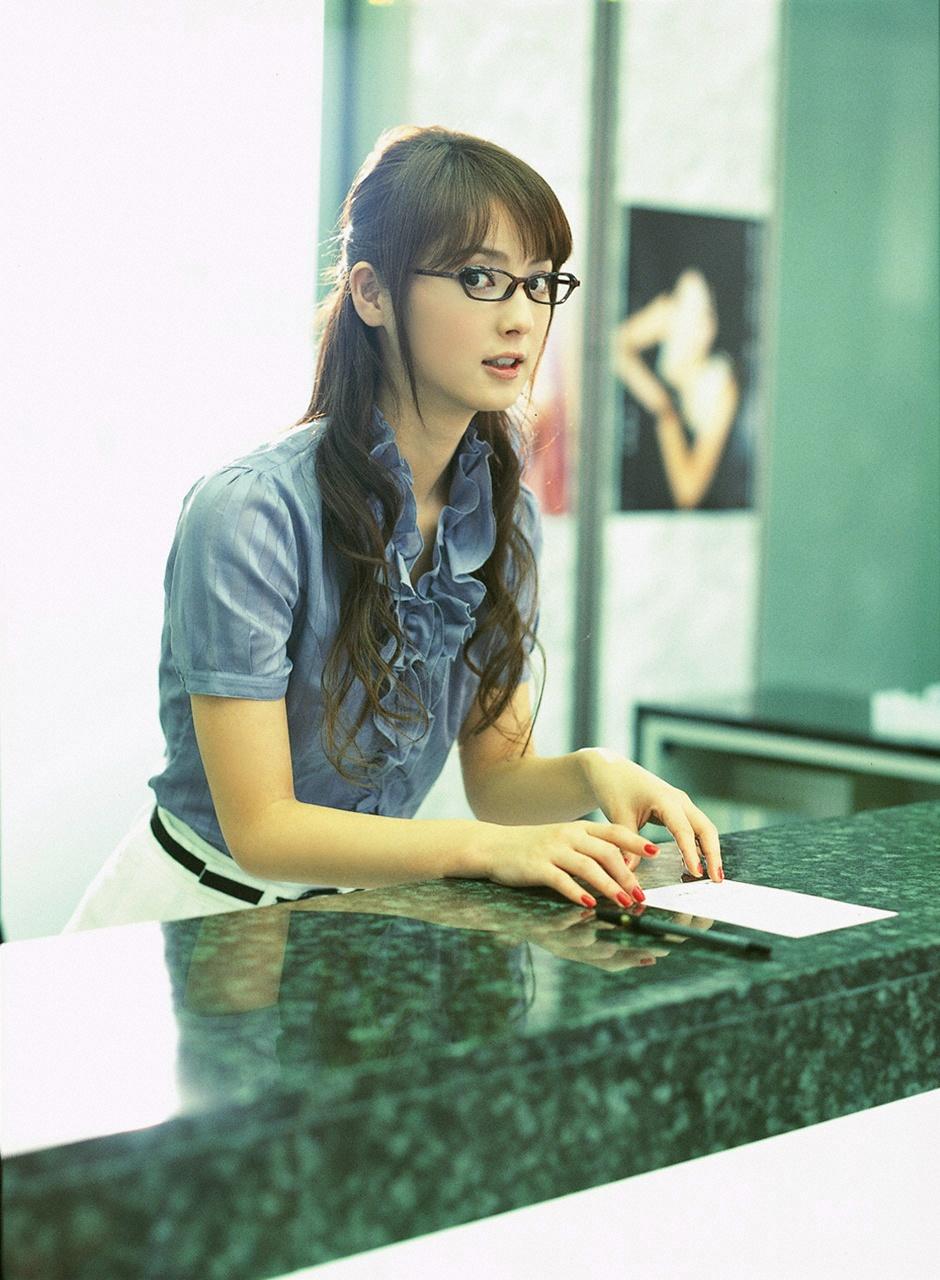 Японки в очках 2 фотография