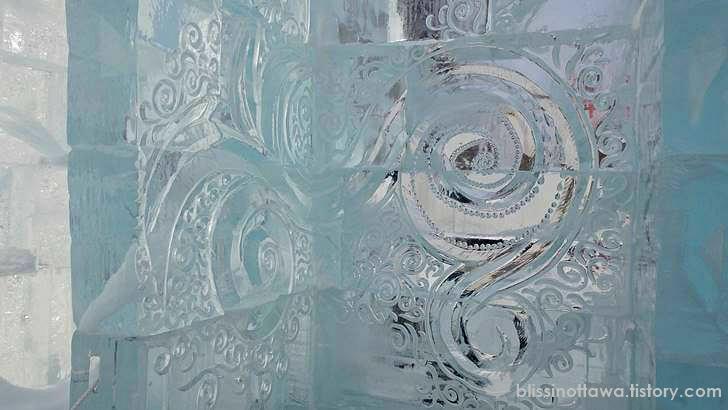 얼음에 새긴 문양입니다