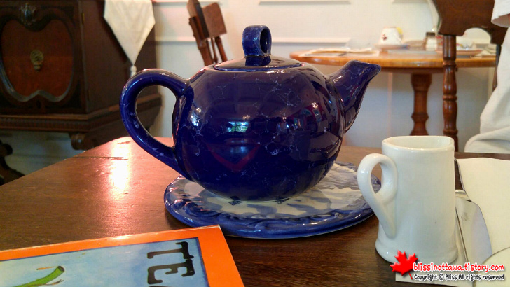 blue_tea_pot