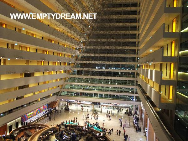 싱가포르 여행 - '마리나 베이 샌즈 호텔' 지나서 '가든스 바이 더 베이' 가는 길