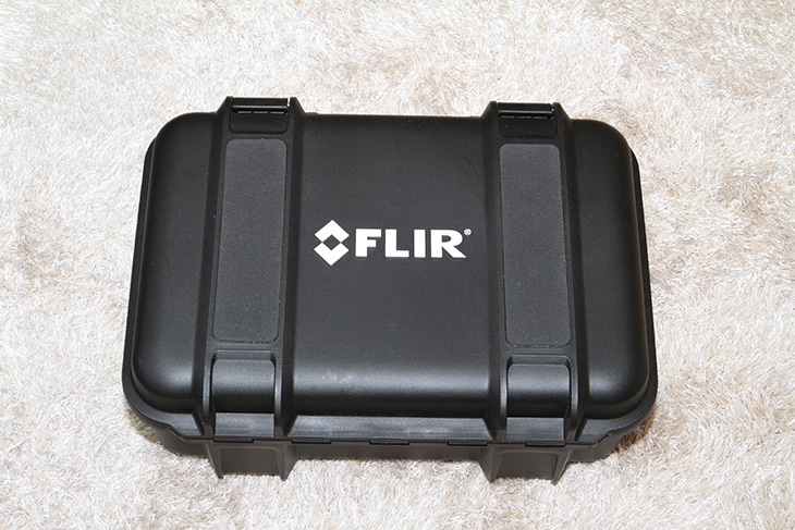 FLIR E95, 플리어 열화상카메라, 저속 촬영, 자동 초점, 사용기,IT,IT 제품리뷰,EXX 시리즈도 이제는 업그레이드가 되었는데요. 화질이 너무 놀랍네됴. FLIR E95 플리어 열화상카메라 저속 촬영 자동 초점 사용 등을 해 봤습니다. 손으로 잡고 사용하기 편한 모양인데요. FLIR E95 플리어 열화상카메라는 464x348 해상도를 가진 카메라 입니다. 온도는 -20도에서 최대 1500도까지 측정이 가능한 제품 인데요. MSX화질 개선 기술까지 더해져서 고화질의 선명한 열화상이미지를 얻을 수 있는 제품 입니다. 반응속도도 많이 빨라졌고 연속촬영과 고온교정 기능등이 더 빨라진 괜찮은 제품이었습니다.