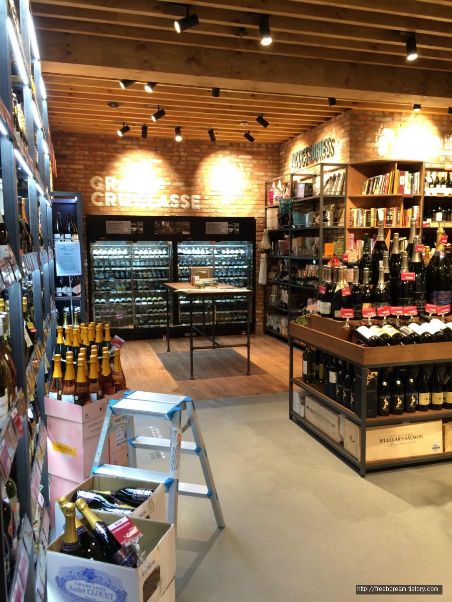 와인앤모어 판교점 안쪽의 내부전경 1