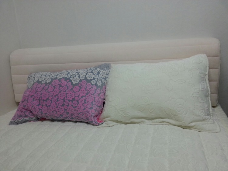 침실 인테리어 극세사 배개피