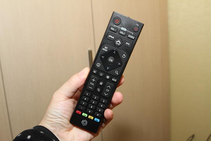 우노큐브 ,무료 IPTV ,셋탑TV, 푹 ,pooq ,만나서 ,더, 강해지다,IT,IT 제품리뷰,DTV는 물론 인터넷방송 그리고 미라캐스트까지 지원합니다. 참 유용한 제품인데요. 우노큐브 무료 IPTV 셋탑TV 푹 pooq 만나서 더 강해졌습니다. 최근 업데이트로 인해서 메뉴도 더 깔끔하게 정돈이 되었고 좀 더 편하게 사용할 수 있도록 되었습니다. 우노큐브 무료 IPTV를 실제로 사용해보면서 어떤식으로 활용할 수 있는지 글을 적어보려고 합니다. 제가 사용하는 환경에서는 TV에 연결해도 되지만 컴퓨터 모니터와 연결해서 사용을 했습니다.