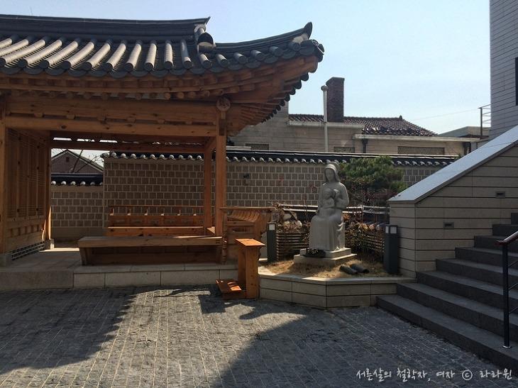 가회동 성당, 한옥마을, 서울 한옥마을, 한옥성당, 카톨릭 역사 박물관, 성지순례, 카톨릭 성지순례, 데이트코스,