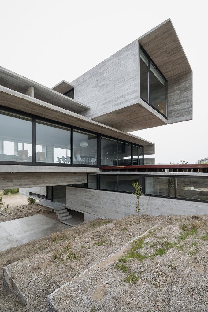 *골프하우스-[ Luciano Kruk Arquitectos ] Golf House
