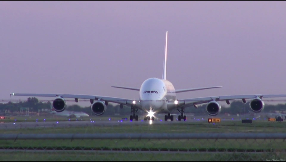 에어버스a380 날개 끝이 구부러진 이유