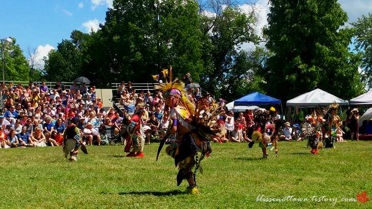 북미 인디언 전통춤입니다