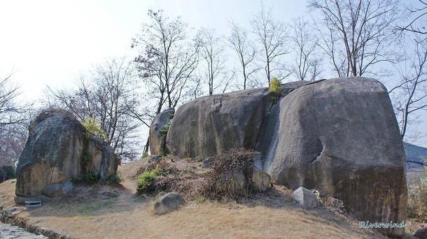 Text Cube : 가락국(駕洛國)의 황세바위