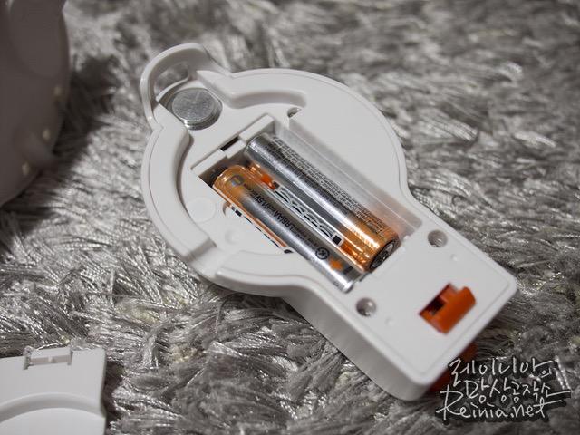 AA배터리 삽입