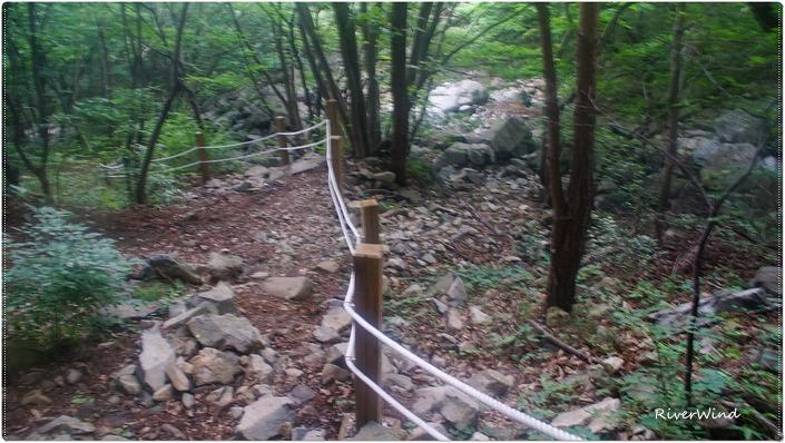 등산로 가드 로프