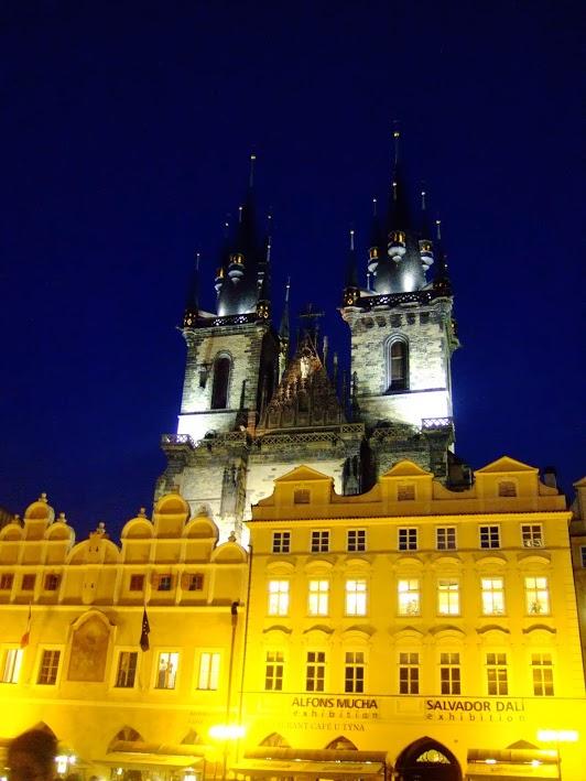 체코 프라하의 틴 성당 야경