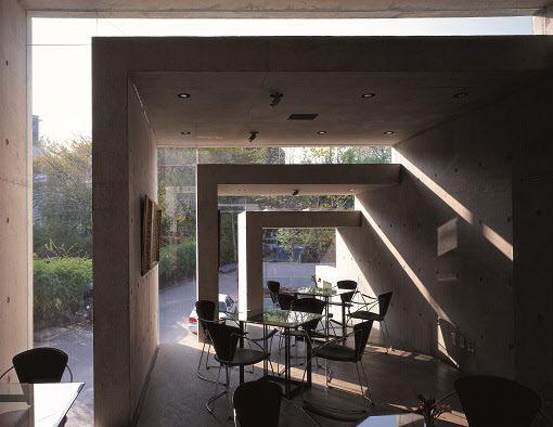 건축의 외형 - '액자' (frame)