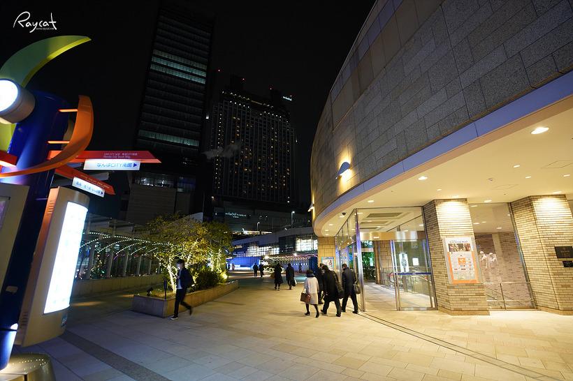 오사카 여행 난바 파크스의 밤 풍경