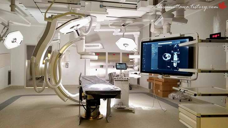 심장 카테터 시술실입니다